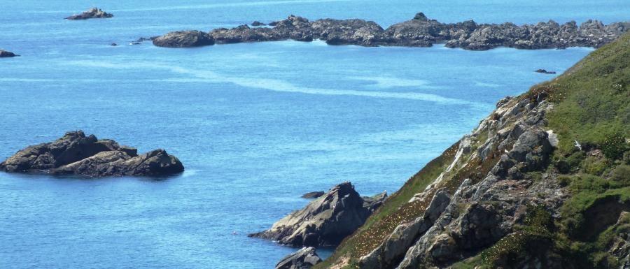 MJ0KWD La Corbiere, Jersey Island.