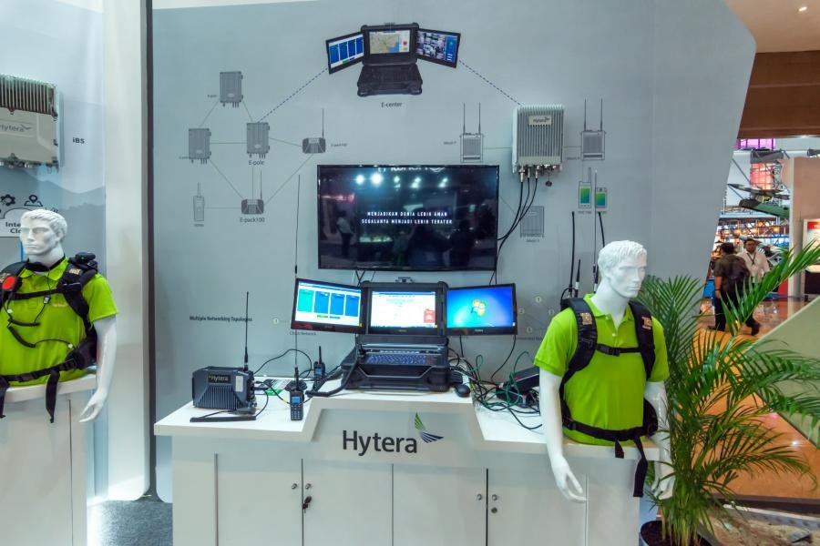 Indo Defence 2018 Hytera MESH
