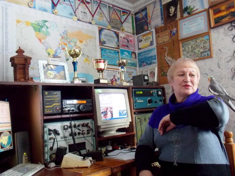 RU0SYL Nadezhda Speshilova, Bratsk, Russia. Radio Room Shack.