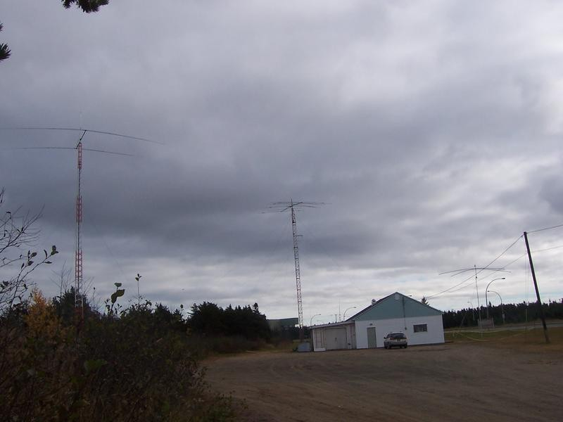 VE2/UT3UA VE2IM Sept Iles, Canada. Antennas