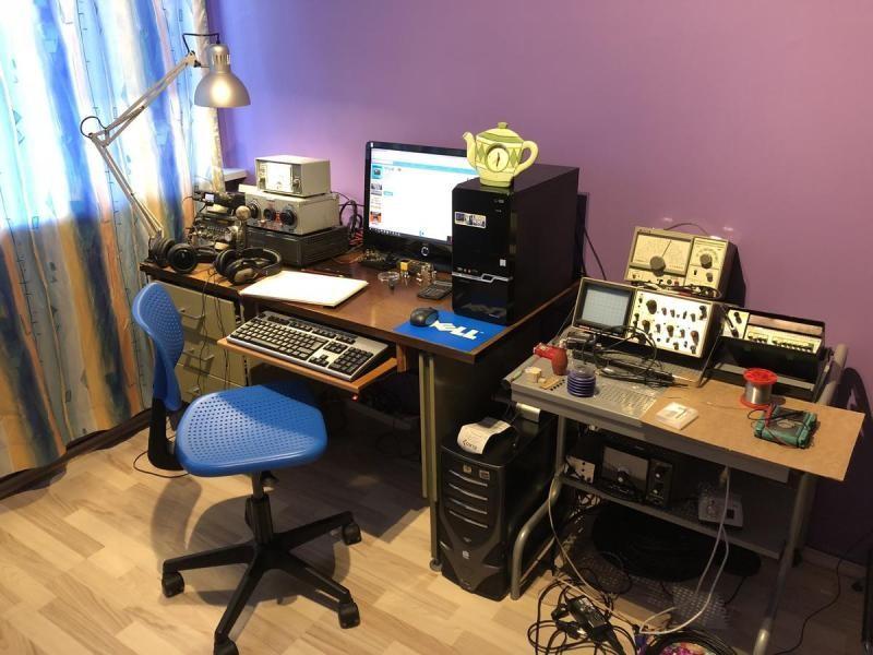 TF3LB Larus Baldursson, Reykjavik, Iceland. Radio Room Shack