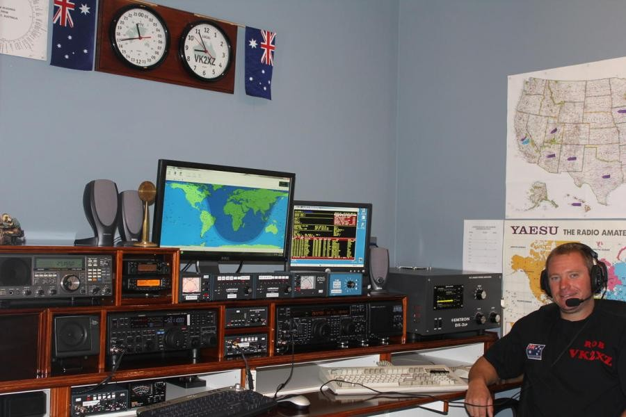 AX2XZ Rob Long, Bowral, Australia. Radio Room Shack.