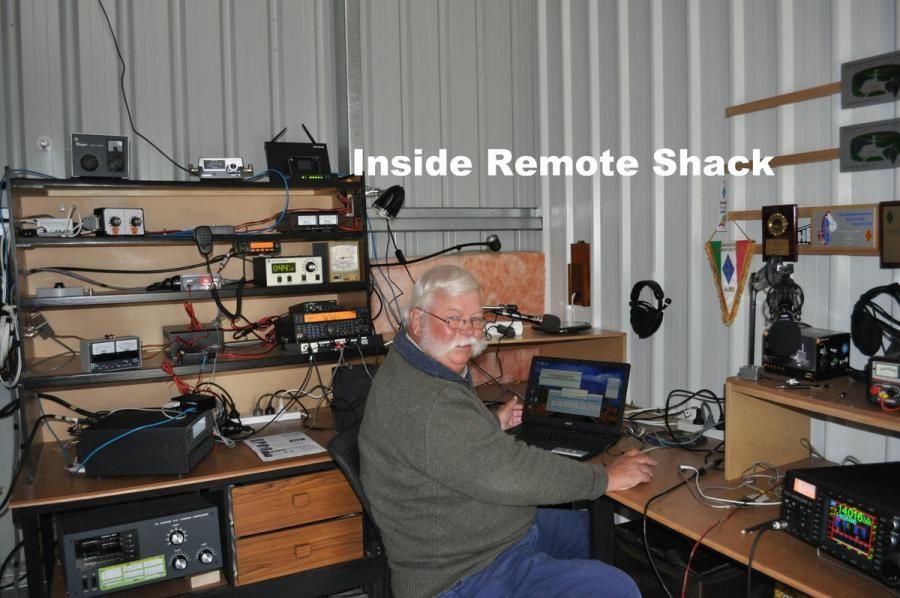 AX7GN Robert Blakemore, Rosny Park, Tasmania Island, Australia Radio Room Shack