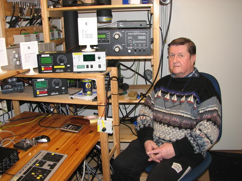 OG9W Raimo Lehto, Vantaa, Finland. Radio Room Shack.