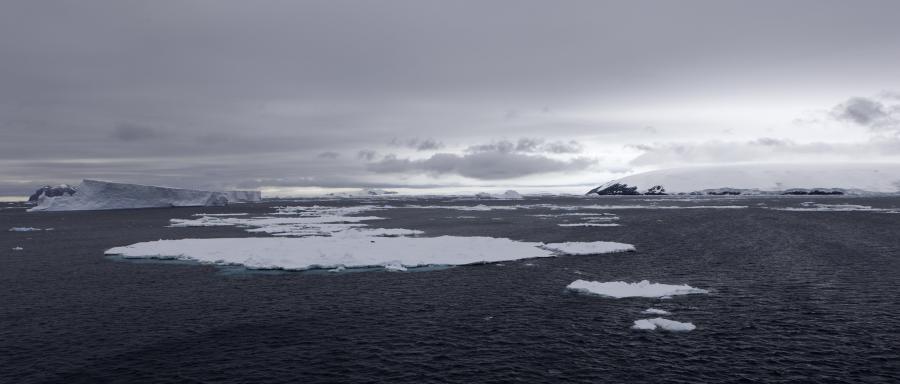 LU1ZR Dundee Island, Graham Land, Antarctica