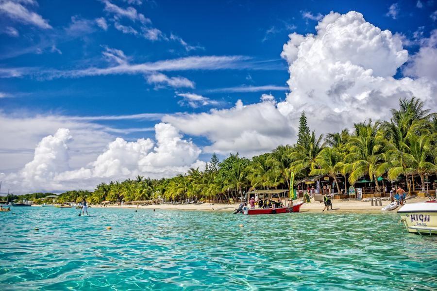 K0NR/HR9 Roatan Island, Honduras