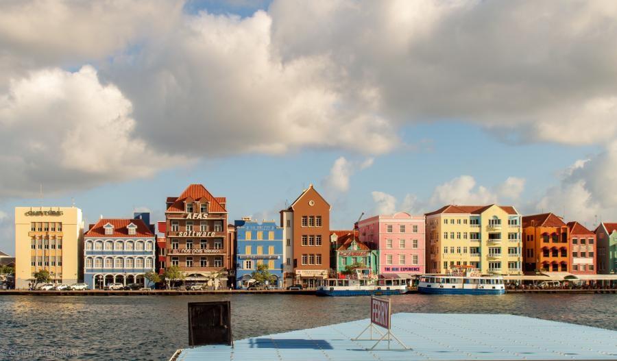 PJ2/DK7PE Willemstad, Curacao Island.