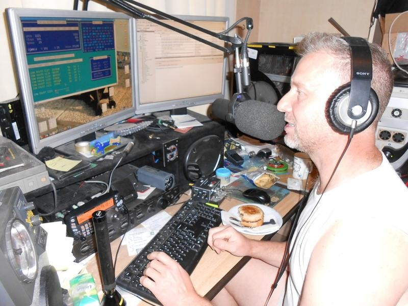 A65DR Paul Hardcastle, Dubai, Uniter Arab Emirates. Radio Room Shack.