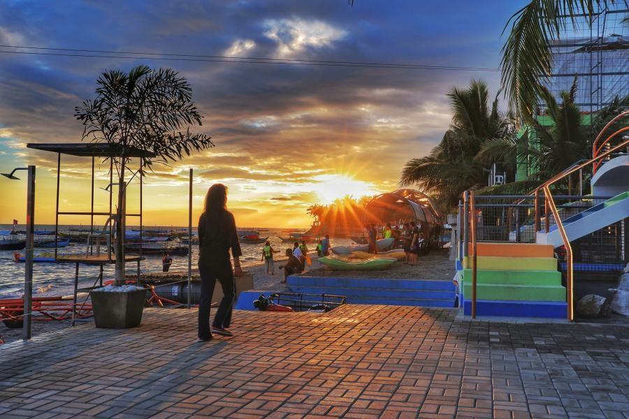 DU3/JA3USA Sunset, Morong, Bataan, Luzon Island, Philippines.