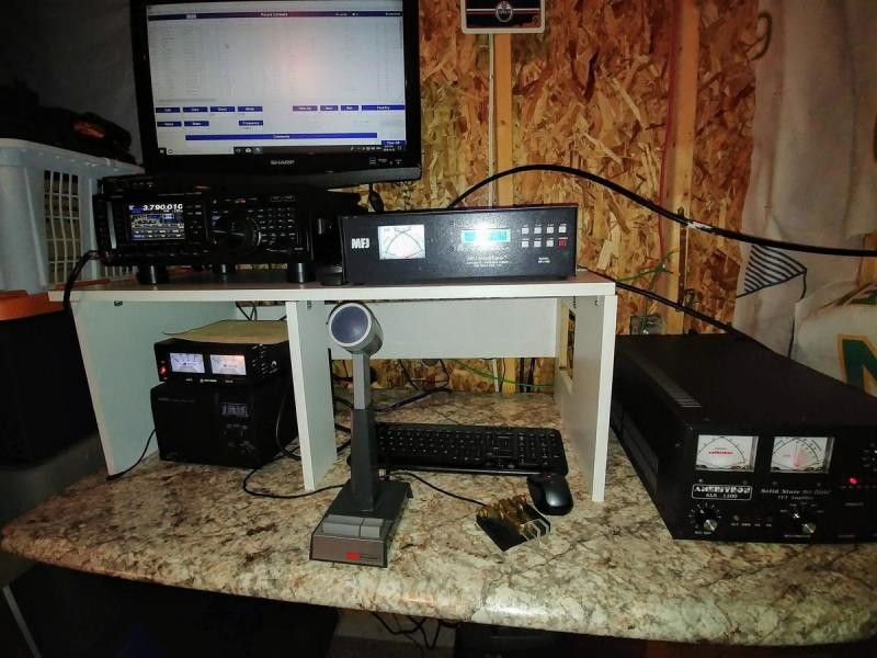 VO1AX Michael Ryan, Marysvale, Newfoundland Island. Radio Room Shack