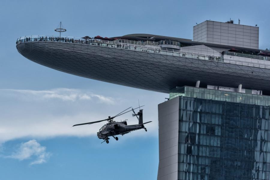 Singapore Hotel Marina Bay Sands and helicopter