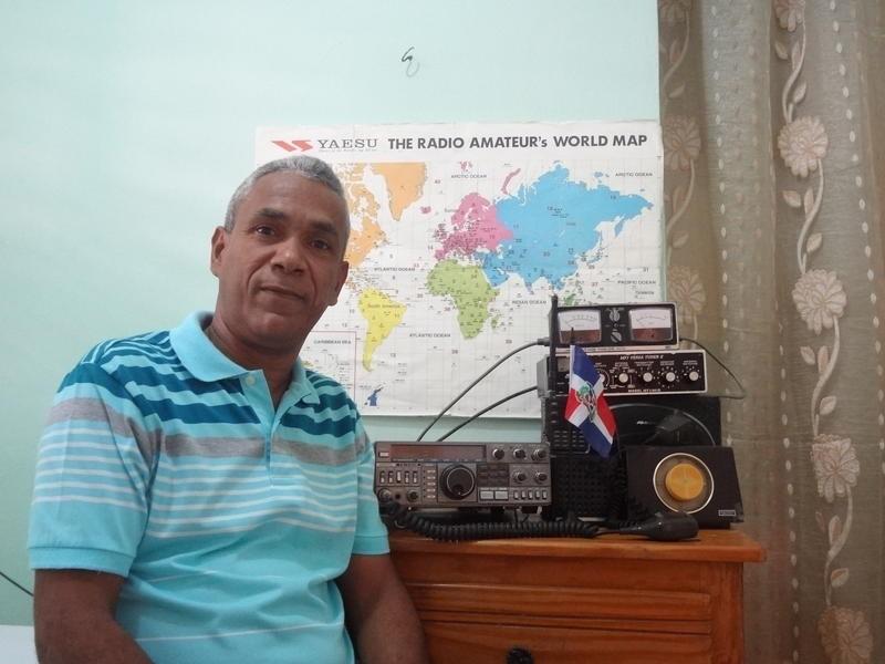 HI8AT Julio Cesar Jose, Santo Domingo, Dominican Republic. Radio Room Shack