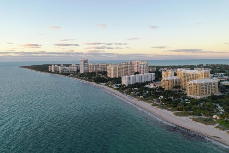W4/YS1RM Key Biscayne, Florida, USA
