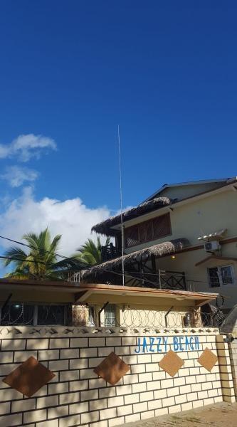 5R8PX Nosy Be Island Madagascar 6 July 2019 Antenna