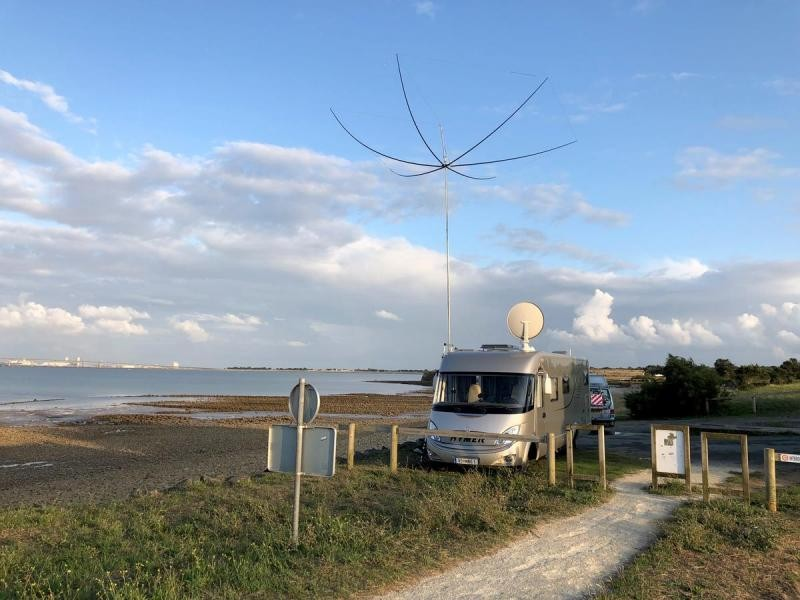 F/OE6MBG/P Re Island, France Antenna