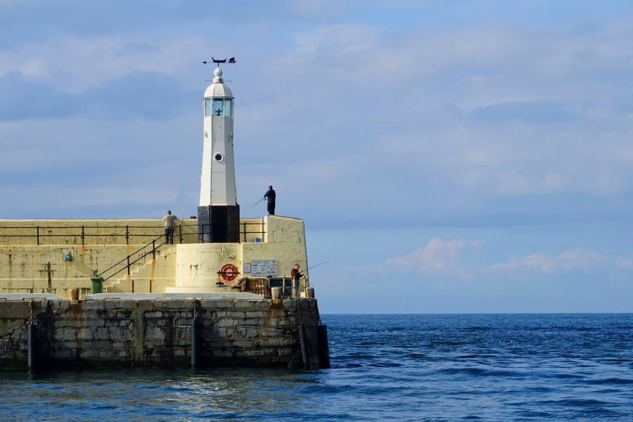 MD/EB1BSV Peel Harbour Light, Isle of Man