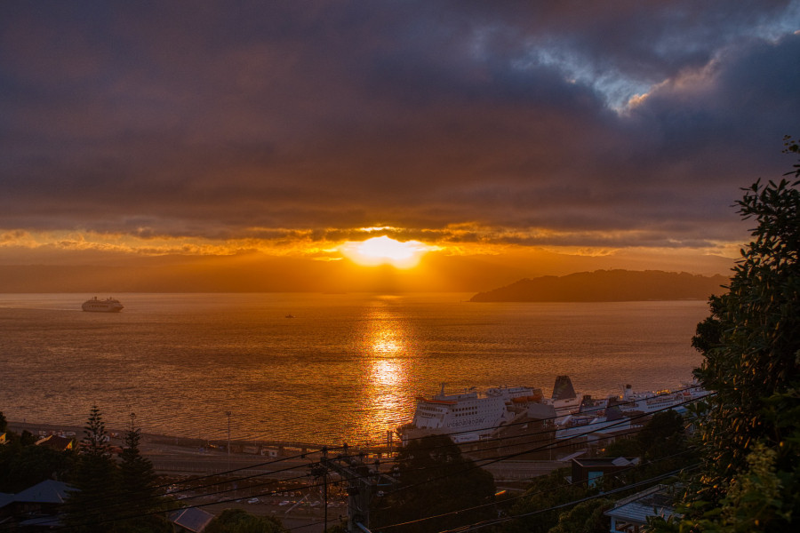 ZL/HG0A Sunrise, Wellington, New Zealand.