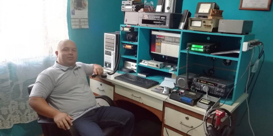 TI3DK Edwin Chaves, Cartago, Costa Rica. Radio Room Shack.