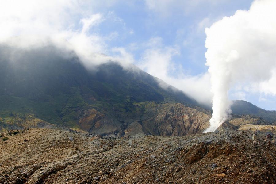 8A343CJR Gunung Papandayan, Cipanas, West Java, Indonesia