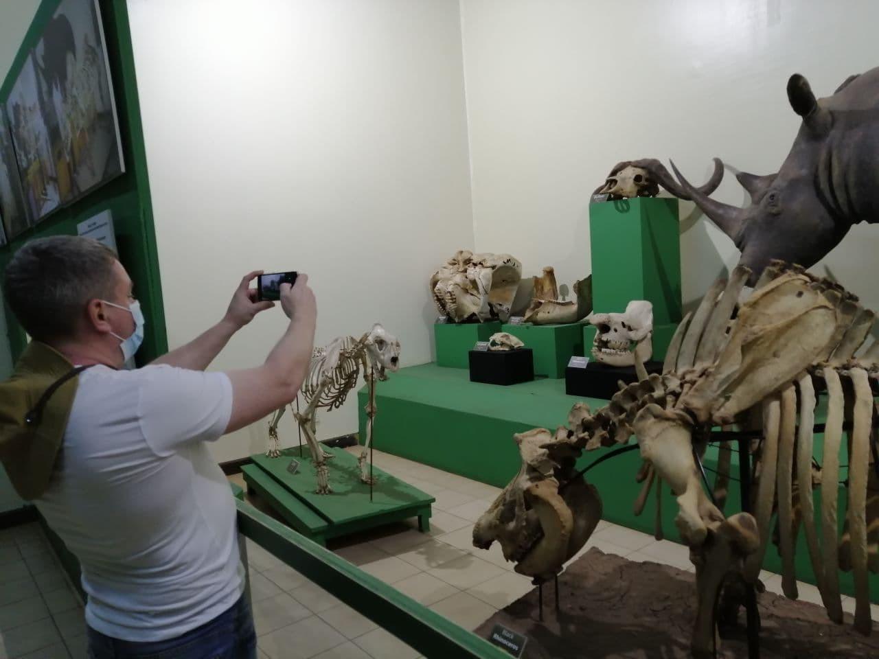 7Q7RU National Museum Nairobi, Kenya Image 11