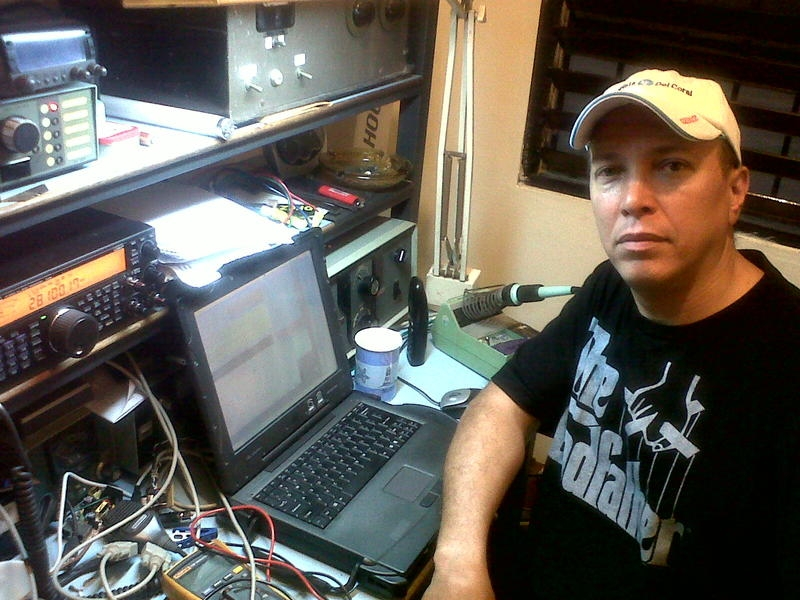 HI8PLE Edgar A. Pons Leighton Santo Domingo Dominican Republic Radio Room Shack