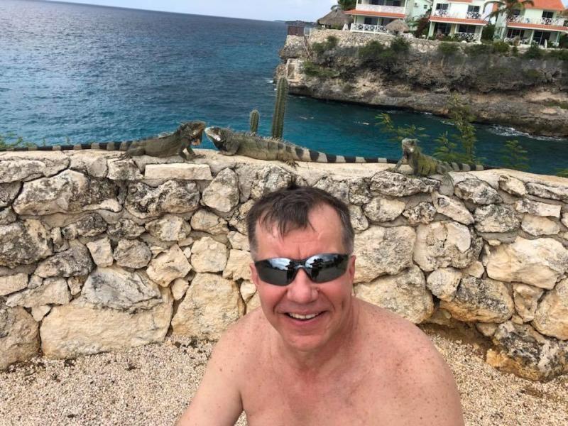 PJ2/KU1CW Alex Tkatch Curacao Island Iguana garden