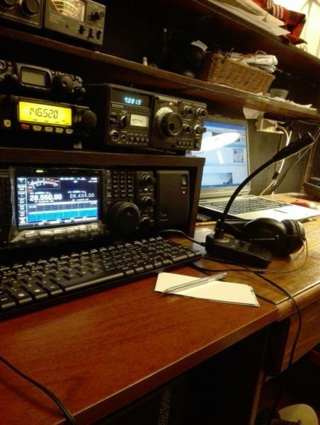 CX5BAB Rodolfo Benitez Lehmann, Montevideo, Uruguay. Radio Room Shack.