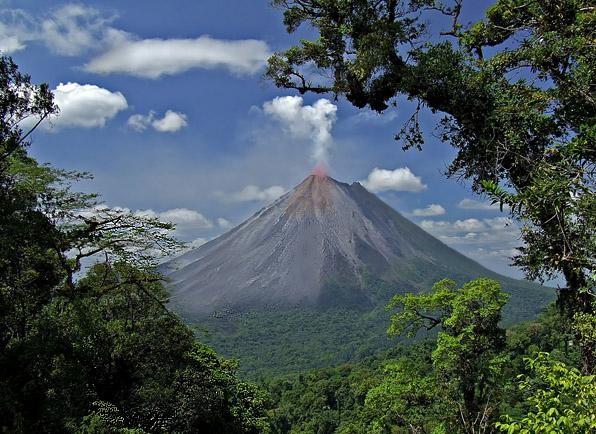 TI7XP Nuevo Arenal, Costa Rica.