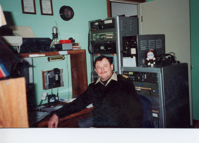 KL7IWC Lawrence Walter, Juneau, Alaska. Radio Room Shack.