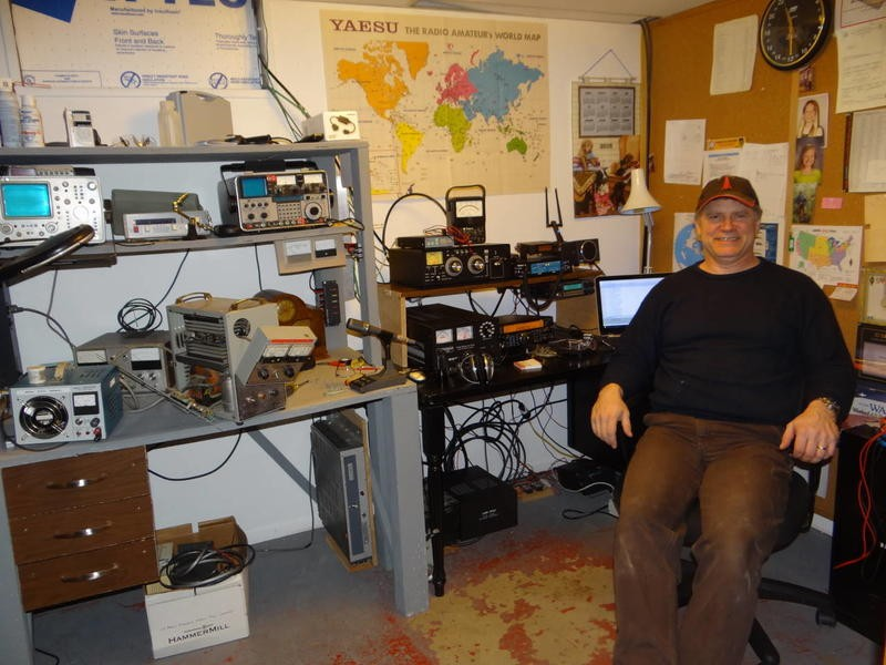 AL7LO David Heimke, Anchorage, Alaska. Radio Room Shack.