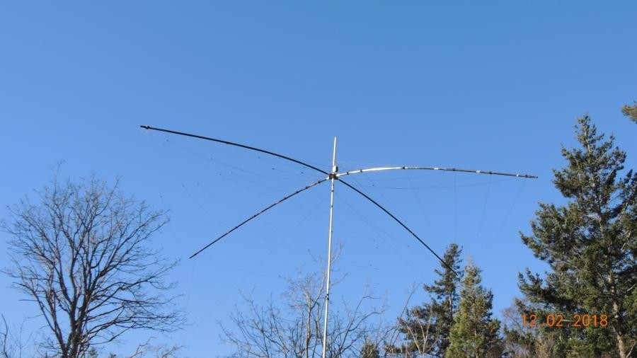 VE7ACN/7 South Pender Island Antenna condition after wind