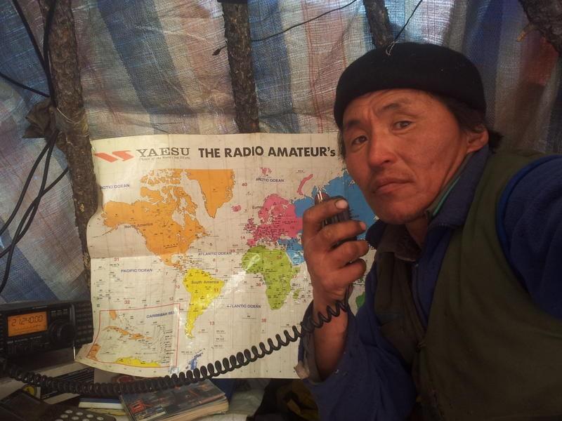 JT7OB Batkhuu Ochir, Muren, Khubsugul Aimak, Mongolia. Radio Room Shack.
