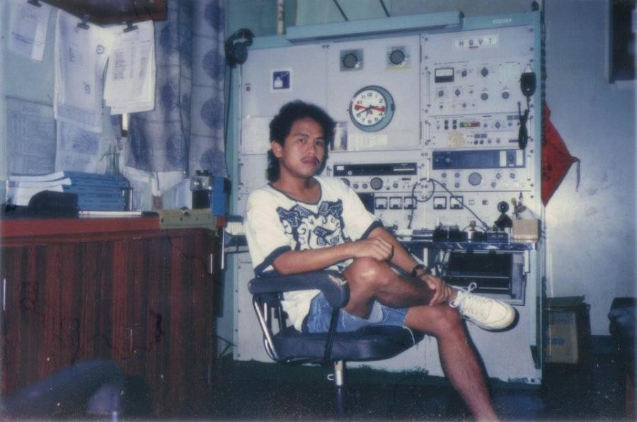 4I1AGW William Miras, Talisay, Batangas, Luzon Island, Philippines. Radio Room Shack.