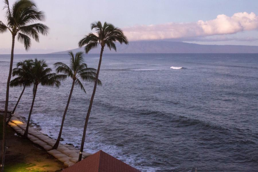 KH6/N2HX Maui Island, Hawaiian Islands.