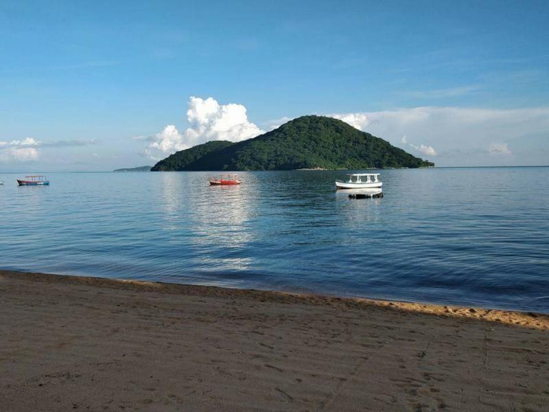 7Q7EI Cape Maclear Malawi