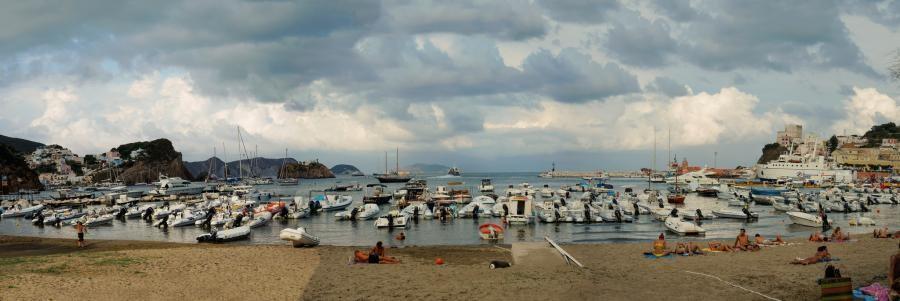 IB0/IK4ALM, IB0/IK4RQJ, IB0/IK4JPN, IB0/IK4RUX, IB0/IZ4JWA Ponza Island, Pontine Archipelago.