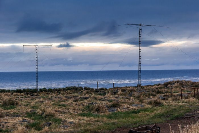 Amsterdam Island FT5ZM Antennas News-5 EY8MM Photo