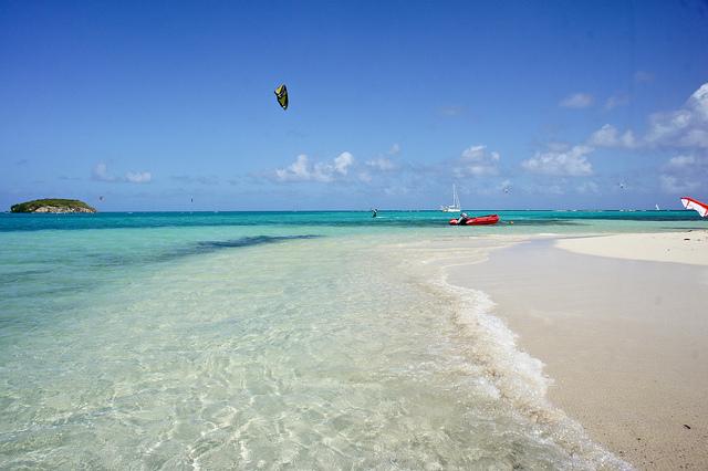 Antigua Island V25M V25N
