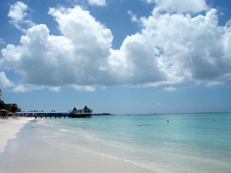 Antigua Island V26BM DX News