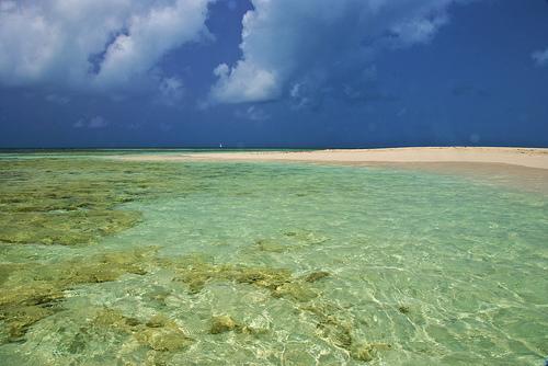 Antigua and Barbuda Islands V25AA