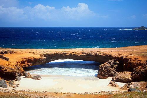 Aruba P4/W1HEO