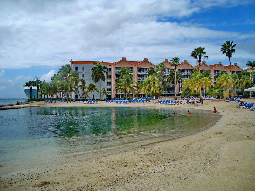 Aruba P4/WA2NHA DX News
