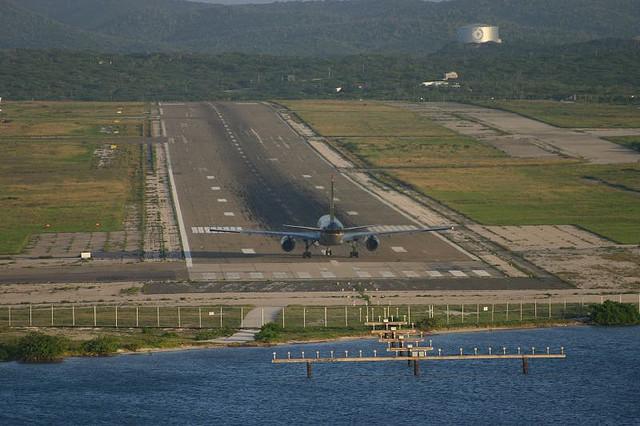 Aruba P40S Airport