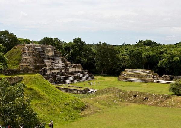 Belize V31RN Maya city