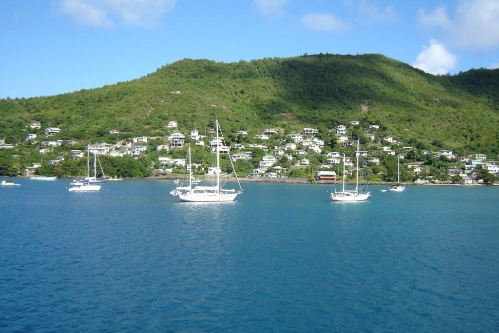 Bequia Island J8/UA4CC J8/LY2IJ DX News