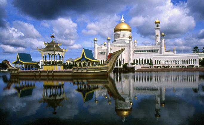 Brunei DX News V84CQ