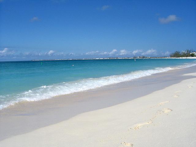 Cayman Islands ZF2RA DX News