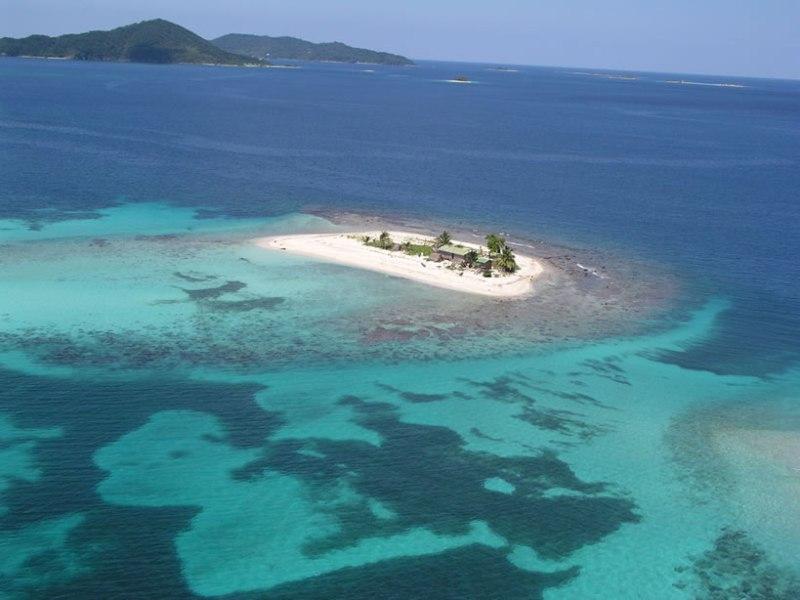 Cochinos Cay Island HQ3W