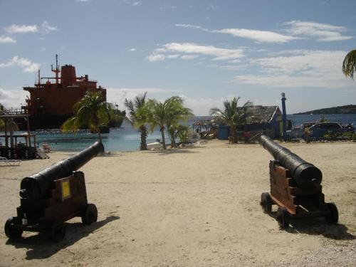 Curacao Island PJ2/XE1KK