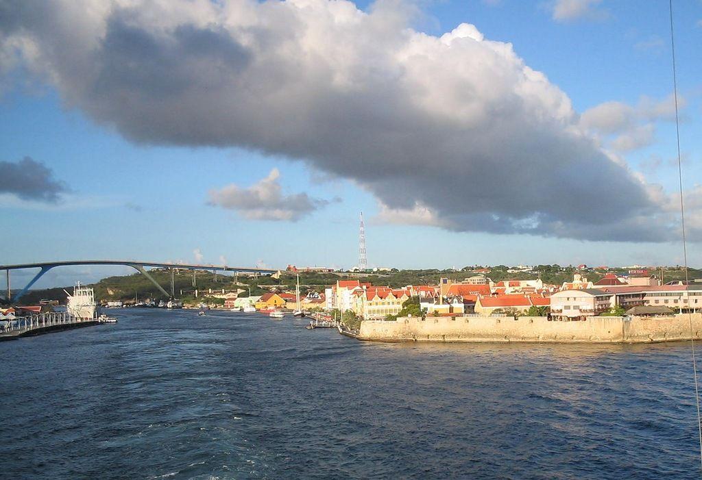 Curacao Island PJ2/VE3MKX
